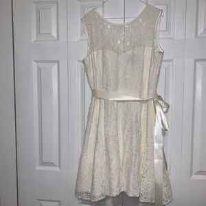 Betsy Adam ivory sleeveless lace dress